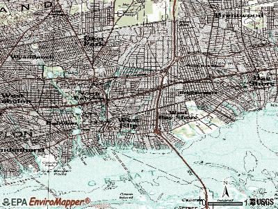 West Islip topographic map